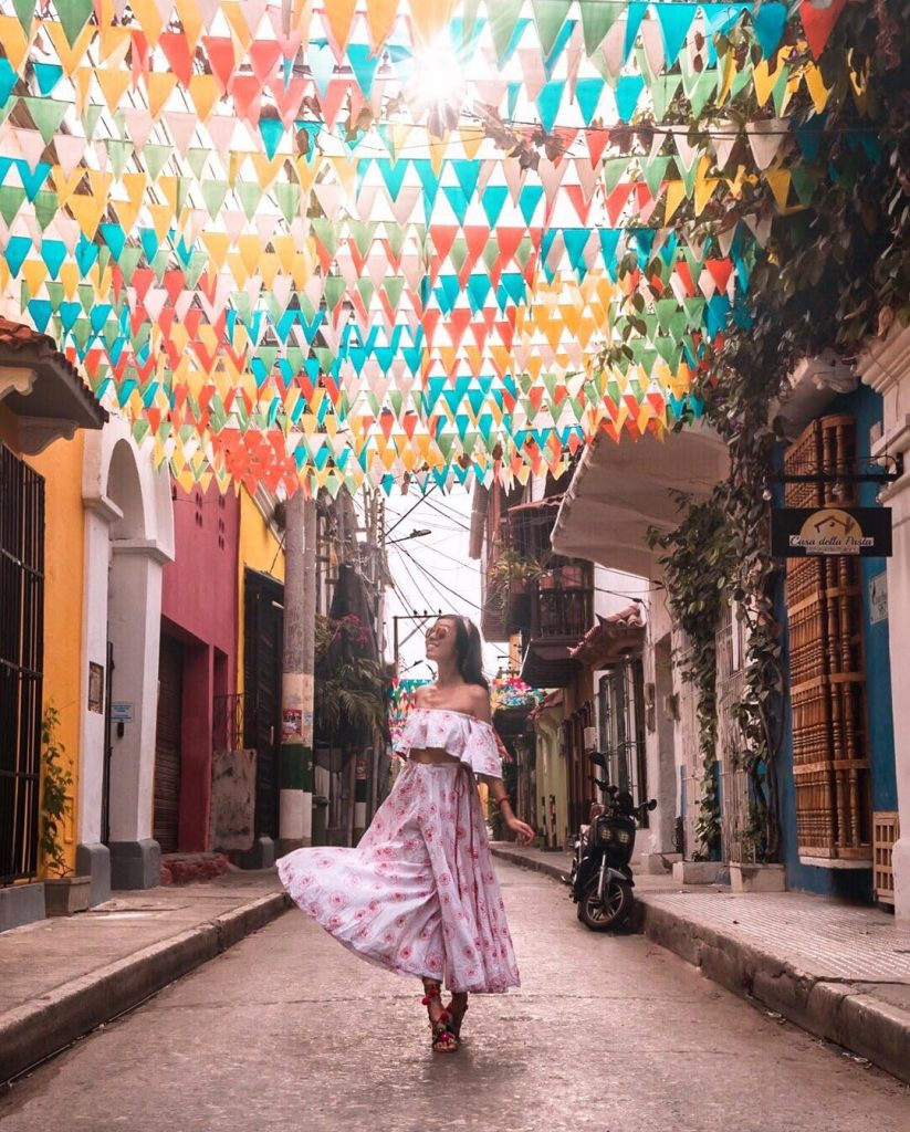 Colorful streets of the Old Walled City in Cartagena #6 - witandfolly.co