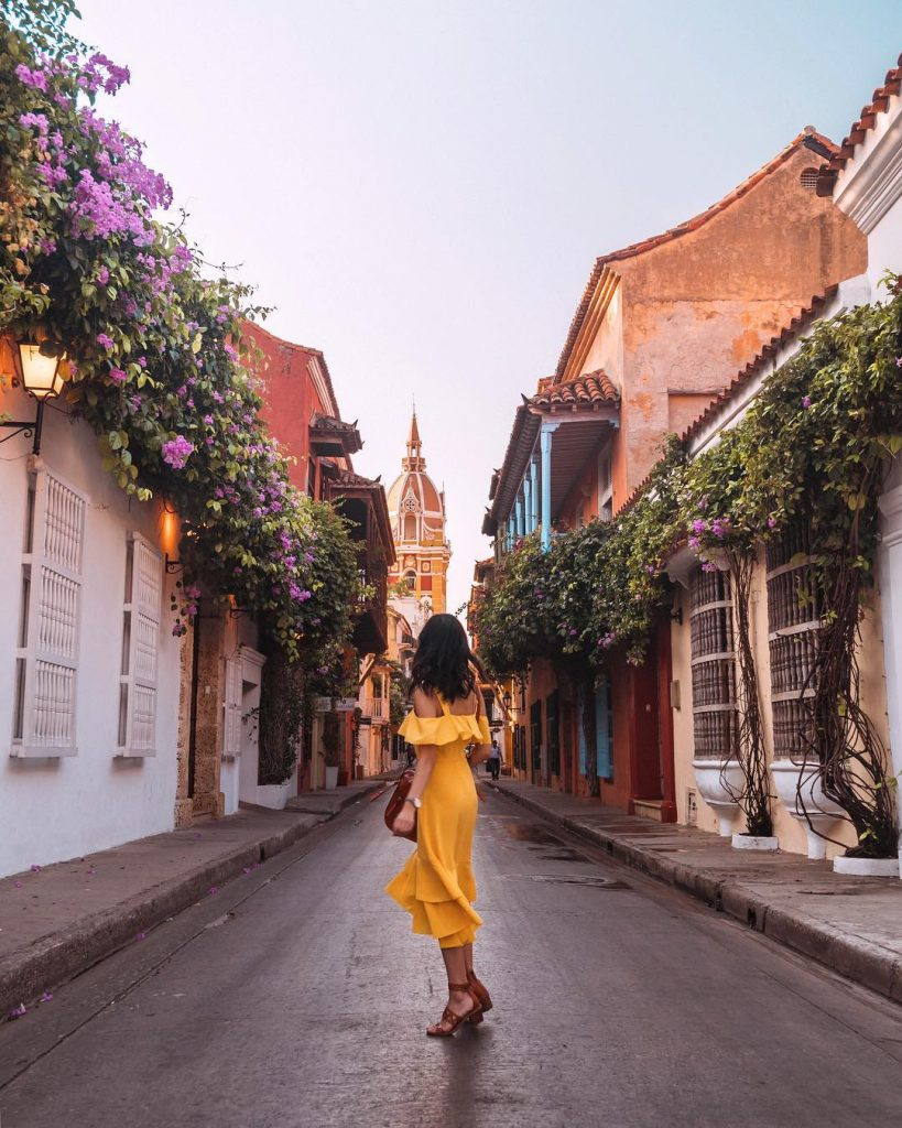 Colorful streets of the Old Walled City in Cartagena #7 - witandfolly.co