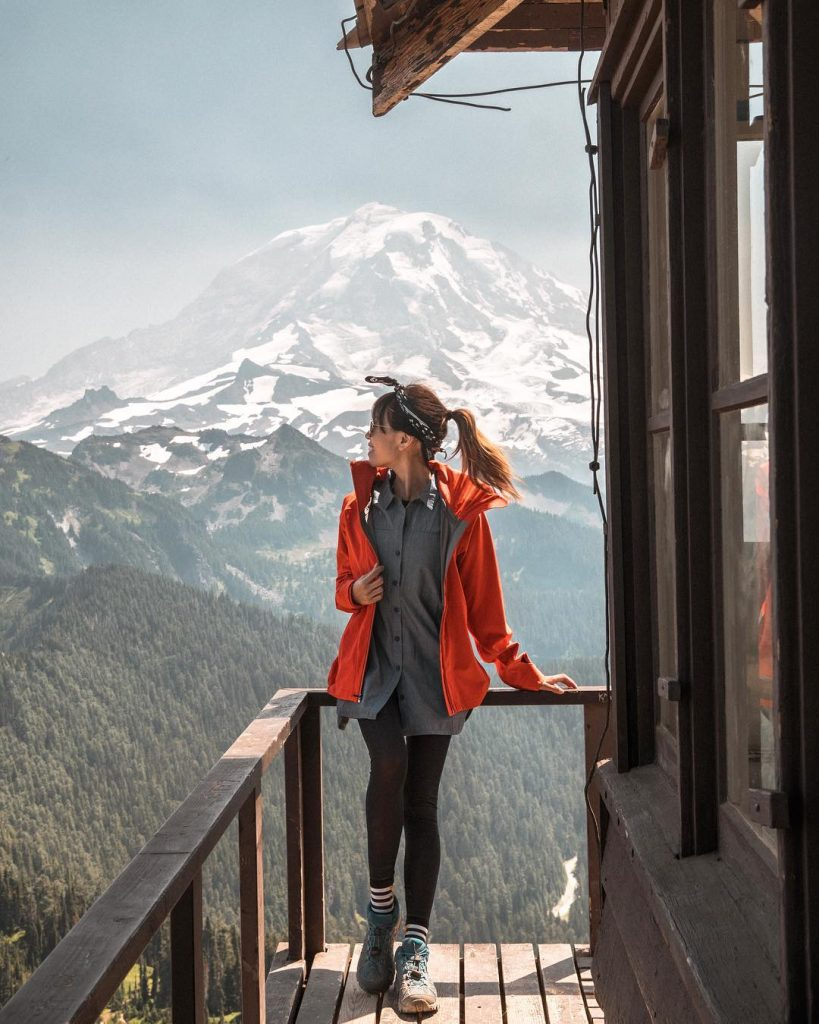 melissa-at-tolmie-peak-fire-lookout