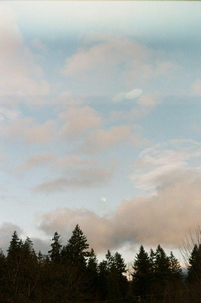 image of sky with kodak gold 200