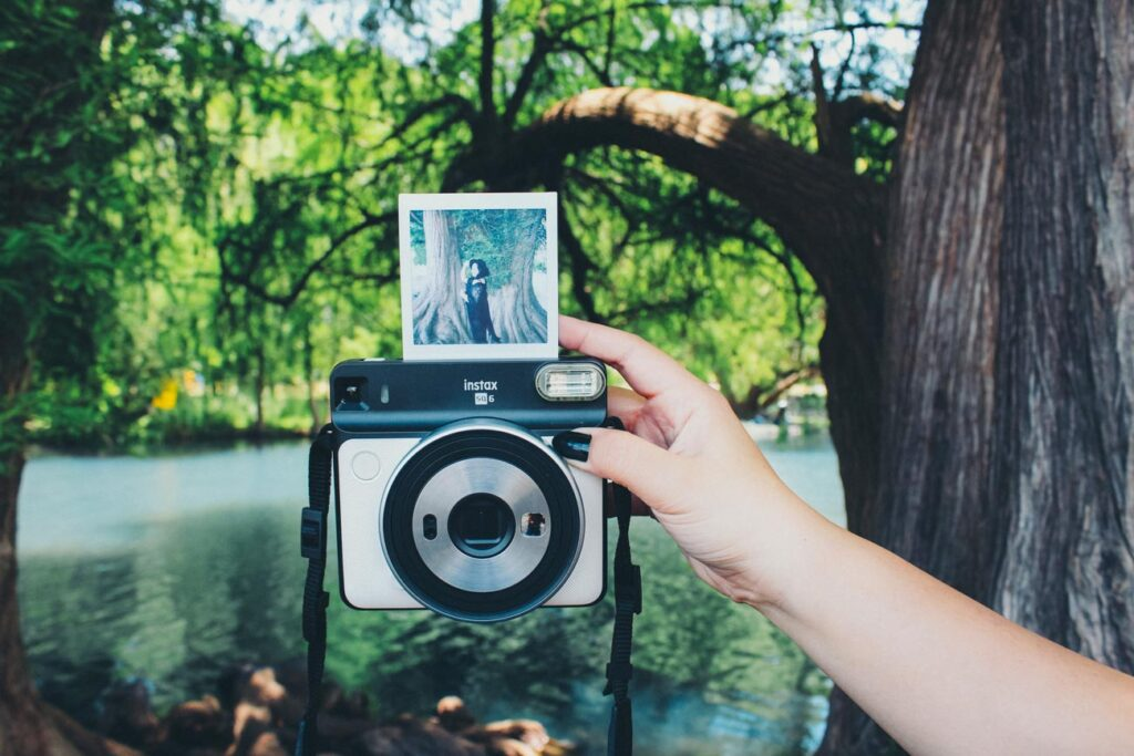 image of the fujifilm instax sq6 instant camera