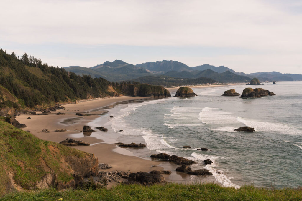 image of the oregon coast from ecola state park lookout point